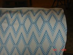 Close up of the blue diamond pattern