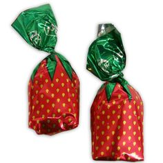 Strawberry Filled Hard Candies 5 LB bag: 1 Count The delicious refreshing taste of strawberry in a hard candy. Great for filling favor bags or even the. Retro Vintage, Vintage Candy, Retro Candy, Strawberry Delight, Strawberry Filling, My Childhood Memories, Sweet Memories, Old School Candy, Sweets
