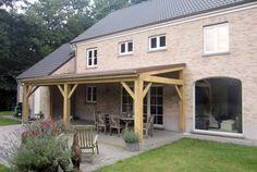 Eiken terrasoverkapping met keramische dakpannen - Regio Antwerpen - Nova Concepts