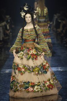 Jean Paul Gaultier Spring 1997 Couture Fashion Show - Vogue Foto Fashion, Fashion Week, Fashion History, High Fashion, Fashion Show, Fashion Design, 1918 Fashion, Fashion Models, Jean Paul Gaultier