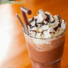 Kto nie pragnie pysznej mrożonej kawy? :) Chyba nikt by jej nie odmówił zwłaszcza kiedy jest podana z bitą śmietaną i czekoladą ;) To jest znakomity napój o dowolnej porze dnia :) Tą przepyszną kawę możesz łatwo wykonać w domu za pomocą NutriBulleta :)  Składniki:  - 1 szklanka mleka sojowego - 2 łyżki kakao - 1 szklanka kawy - 1 łyżeczka cynamonu  #shape #strength #happy #fun #sexy #run #running #zdrowie #uroda #bieganie #body #bodybuilding #diet #muscle #weightloss #exercise