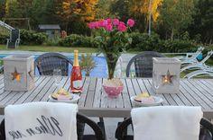 Landliv med sjel og sjarm Outdoor Furniture Sets, Outdoor Decor, Patio, Home Decor, Decoration Home, Terrace, Room Decor, Porch, Interior Design