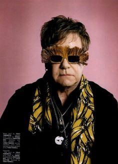 Elton John e i suoi occhiali assurdi!