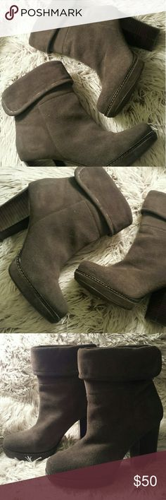 Banana Republic Suede Gray Boots 6.5 Gently used Banana Republic fold over boots. Grey Suede and Leather upper. 4 inch block heel. The perfect go-to shoe! Banana Republic Shoes Heeled Boots