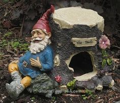 Garden Gnome sleeping on a Toad House. Toad House, Gnome House, Gnome Costume, Gnome Village, Fairy Houses, Hobbit Houses, Beautiful Fairies, Gnome Garden, Woodland Creatures