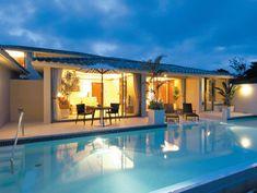 客室案内 | 【公式】オリエンタルヒルズ沖縄-日本最大級のプライベートプール Okinawa Beach, Okinawa Japan, Best Resorts, Travel Alone, Beach Hotels, Nice View, Where To Go, Beach House, House Design