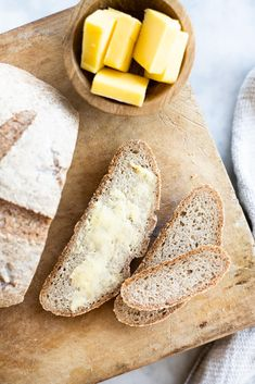 Real deal gluten free bread recipe. So easy to make. Soft, chewy texture with the perfect crust. #glutenfreerecipes #glutenfreebread #glutenfreebreadrecipes #bread #veganbread#savorylotus