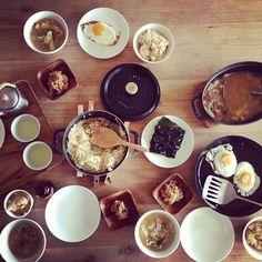 おひるごはん。  玄米、味噌汁、目玉焼き、糸蒟蒻の炒め物、韓国海苔。 - @yuu1026- #webstagram