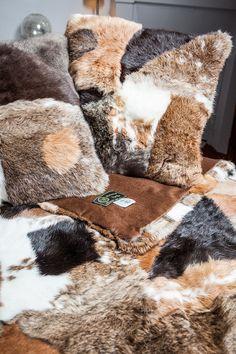 les 42 meilleures images du tableau decoration fourrure sur pinterest carpet sheep et. Black Bedroom Furniture Sets. Home Design Ideas