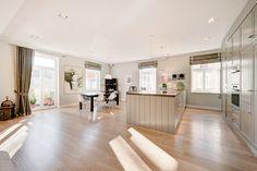 Schwabing: Bildschöne 5-Zimmer-Wohnung mit exzellenter Ausstattung in saniertem Jugendstilhaus von 1906 Details: http://www.riedel-immobilien.de/objekt/3350