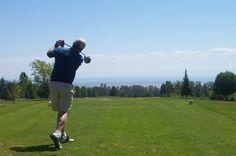 Club de Golf Le Murray Bay situé sur le chemin du Golf à La Malbaie, QC.