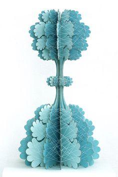 Paper And Thread Sculptures, Ferry Staverman. Cardboard Sculpture, Sculpture Art, Paper Artwork, Dutch Artists, Paper Artist, Flower Shape, Artist At Work, Installation Art, Decoration