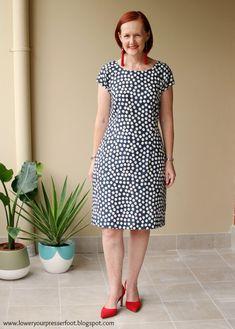 New Look 6013 polka dot linen dress www.loweryourpresserfoot.blogspot.com