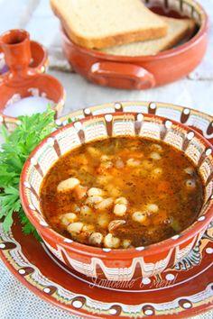 Рецепта за готвене на Боб чорба - продукти, начин на приготвяне. Как да сготвим Боб чорба - изпробвана рецепта за вкусни резултати! Bean Recipes, Veggie Recipes, Soup Recipes, Cooking Recipes, Healthy Recipes, Recipies, Bulgarian Recipes, Bulgarian Food, Uzbekistan Food