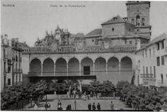 Imagen antigua de la Plaza de las Palomas de Guadix y del balcon de los Corregidores
