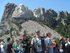 My biker brothers. Bike Rally, Motorcycle Rallies, Mount Rushmore, Biker, Mountains, Nature, Travel, Viajes, Naturaleza