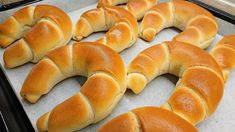 Croissant Bread, Baking Buns, Hungarian Recipes, Instant Yeast, Crescent Rolls, Bagel, Food To Make, Food And Drink, Cooking Recipes
