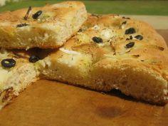Focaccia con cebolla, romero y aceitunas negras ( con y sin Thermomix)