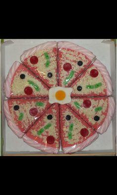 Tarta de gominolas con forma de pizza