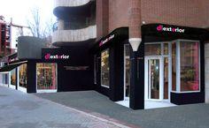 Nuestra tienda, exterior