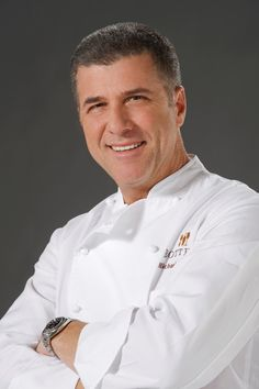 Michael Chiarello - Great Chef who cooks with a passion and is a friend of the earth. Chef Recipes, Wine Recipes, Food Network Recipes, Italian Chef, Italian Side, Food & Wine Magazine, San Francisco Restaurants, Iron Chef, Best Chef