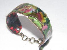 REF. PU406-56 Brazalete de cobre esmaltado al fuego con cierre cobre.
