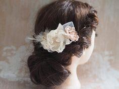 Etsy の Bridal Headpiece Rhinestone Flower Hair by TwoCatsAndAnOwl