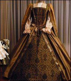 Beautiful replica Tudor dress