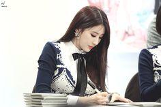 photo - 150301 명동 뮤직코리아 팬싸인회 현아 직찍