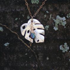 Hawaiian Monstera Leaf Necklace, Monstera Leaf Necklace, Leaf pendant, Monstera Leaf, Monstera Leaf Necklace, Long Necklace, Gold Filled by nipeli on Etsy https://www.etsy.com/ch-en/listing/27311032/hawaiian-monstera-leaf-necklace-monstera