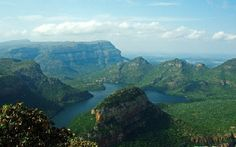 KwaZulu-Natal, Battlefields, Wildlife and Coast fly drive holidays in South Africa with Escape Worldwide. ATOL protected holidays and honeymoons to South Africa. Kwazulu Natal, South Africa, Wildlife, Coast, Mountains, Water, Holiday, Outdoor, Water Water