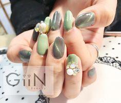 Greeny Spring #nail #nails #nailart #nailpolish #naildesign #manicure #nailstagram #nailsalon #instanails #nails2inspire #ネイル #beautiful #gelnail #gelnails #polish #naildesigns #pretty #girl #green #olivegreen #golden #cateye #cat