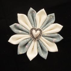 Dreamstar Diary: Handmade Monday Week 11 - The Kanzashi Fabric Flower