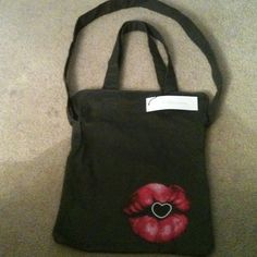 "Spotted while shopping on Poshmark: ""BCBGENERATION green 2 handle 1 strap  cloth bag""! #poshmark #fashion #shopping #style #BCBG #Handbags"