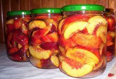 Nektarin befőtt egyszerűen Canning Pickles, Torte Cake, Hungarian Recipes, Meals In A Jar, Fun Desserts, Fruit Salad, Cucumber, Food And Drink, Cooking Recipes