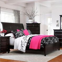 Broyhill Broyhill Farnsworth Sleigh Bed in Inky Black Stain - Queen