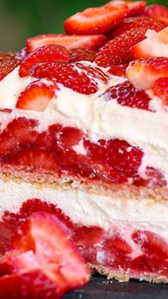 Strawberry Shortcake No-Bake Ice Box Cake cake cheesecake cake cupcakes cake decoration cake fancy dessert cake Strawberry Icebox Cake, Strawberry Desserts, Frozen Desserts, Easy Desserts, Dessert Recipes, No Bake Strawberry Shortcake Recipe, Strawberry Ice Cream, Icebox Cake Recipes, Icebox Desserts