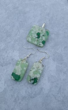Green Speckled Necklace & Earring Set by GlassFusionsByKerry on Etsy
