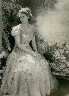 Royal on pinterest queen elizabeth princess elizabeth and princess
