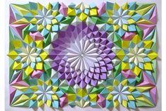 Japanese paper craftsman Kota Hiratsuka creates beautiful elaborate origami mosaics made from folded geometric paper patterns. Origami 3d, Origami Design, Origami Wall Art, Origami Ball, Origami Dragon, Origami Paper Art, Origami Fish, Origami Star Box, Origami Stars