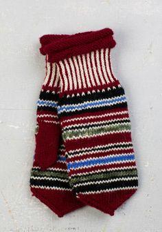 Mittens of Myrskylä village, Finland Knit Mittens, Mitten Gloves, Tartan, Plaid, How To Purl Knit, Warm Outfits, Hand Warmers, Knit Crochet, Textiles