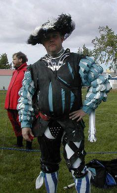 Loving the criss-cross detail on the left leg of this Landsknecht ensemble.   From: www.flickr.com