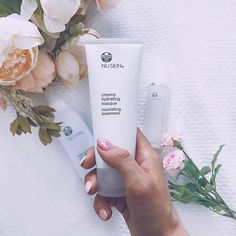 Give your skin an instant boost of hydration to create skin that's dewy and baby soft. Daily Makeup Routine, Beauty Routines, Galvanic Spa, Beauty Over 40, Moisturizing Face Mask, Makeup Is Life, Body Love, Face Care, Beauty Secrets