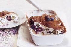 easypeasy tiramisu / superlekker! / veranderingen: * met appelsap&scheutje tia maria voor de lange vingers * met ricotta & griekse yoghurt i.p.v. mascarpone * met blauwe bessen & 'zomerfruit'.