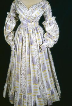 Day dress in cotton muslin print, British, Ca 1836-38. Manchester Art Gallery, accession nr. 1947.2057
