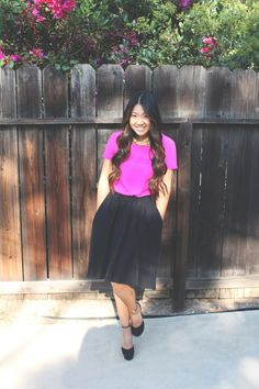 Magenta blouse, black pocket skirt, gold collar necklace and black pumps for today's church outfit. Modest Church Outfits, Church Attire, Church Dresses, Church Clothes, Ootd Fashion, Modest Fashion, Fashion Outfits, Modest Clothing, Apostolic Fashion