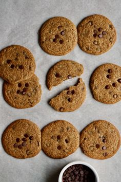"87 cal, 6g sugar. One spatula, one bowl, you, your kitchen, some basic ingredients… is all that is required to make these cookies HAPPEN. The Time is Now friends! Hello I created a basic vegan 4-ingredient cookie dough formula and I'm all giddy about it. It's not a ""skinny"" cookie formula because after much experimentation … 4 Ingredient Cookies, Skinny Cookies, Crispy Chocolate Chip Cookies, Cookie Calories, Cookies Ingredients, Healthy Cookies, How To Make Cookies, Food Print, Sweet Recipes"