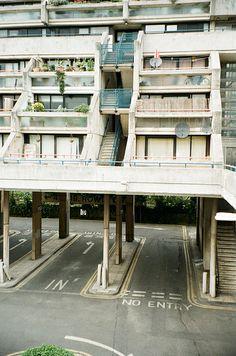 """n-architektur: """" Unbenannt by zara pfeifer """" British Architecture, Beautiful Architecture, Interior Architecture, Minimalist Architecture, Social Housing, Travel Design, Elegant Homes, Modern Buildings, Brutalist"""