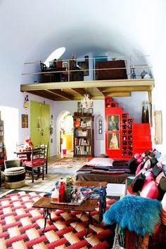 TSEBELI FRANCESCA SANTORINI PR (think modern-traditional living room)