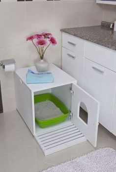 Cats Toys Ideas - Cat Litter Cupboard - Ideal toys for small cats Ideal Toys, Ideias Diy, Cat Room, Pet Furniture, Woodworking Furniture, Furniture Plans, Small Cat, Litter Box, Diy Stuffed Animals